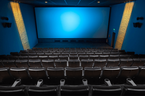 映画鑑賞の図